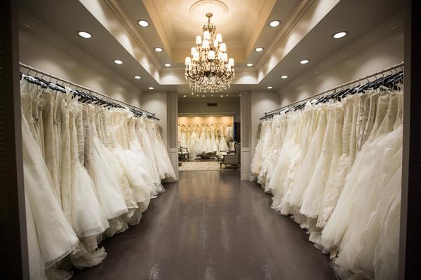 Escogiendo el Vestido de Novia - Tienda de Vestidos de Novia