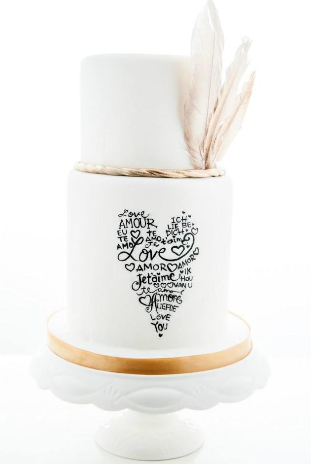 Pastel de Boda con tipografia