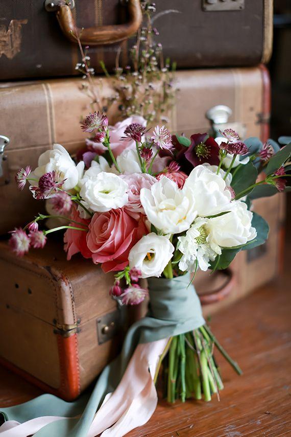 Ramo de Novia en colores blanco, rosa y violeta