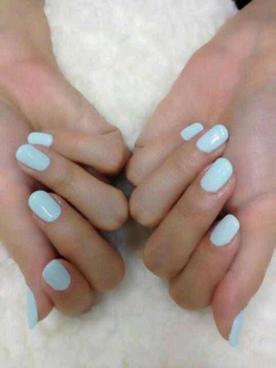 Uñas de novia en color azul
