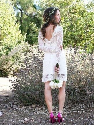 Vestido de novia corto con manga larga