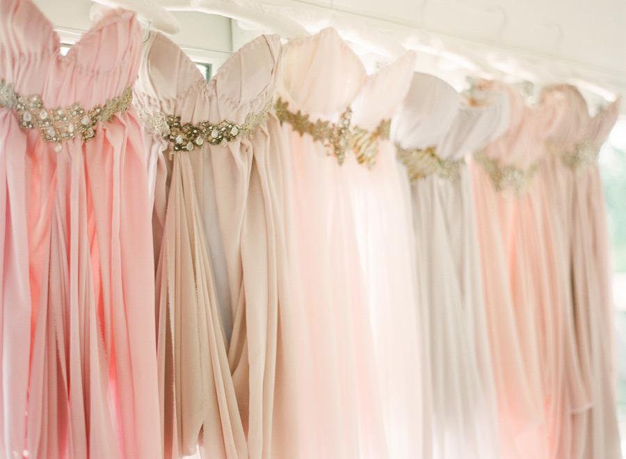 Vestidos de dama de honor en tonos rosa