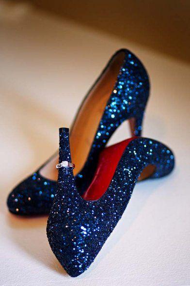 Zapatos de novia azules con brillos