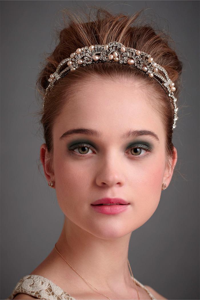 chongo de novia con tiara
