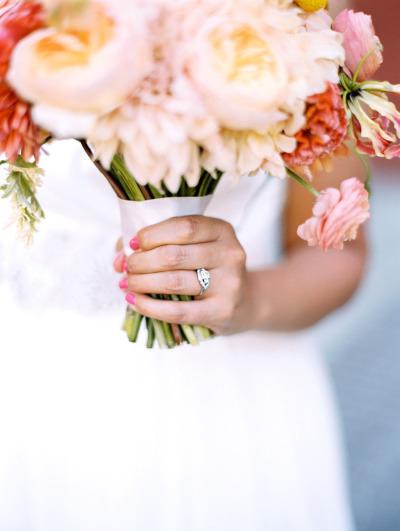 Manicure de novia en color