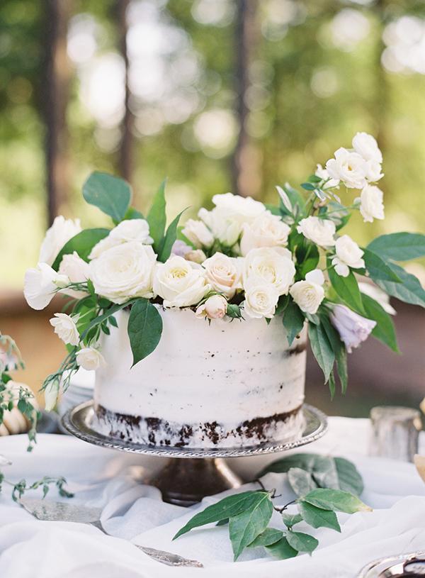 Pastel de Boda Blanco con Rosas