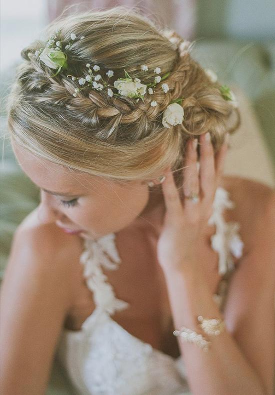 Peinado Recogido con trenza y flores
