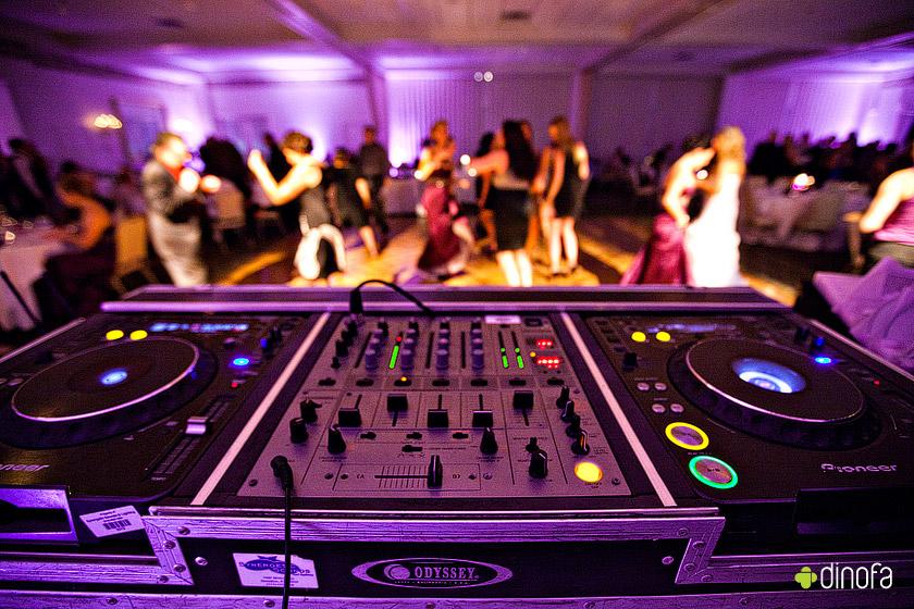 Pide tu cancion al DJ de la Boda