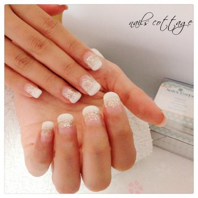 Uñas de Novia con brillos tenues