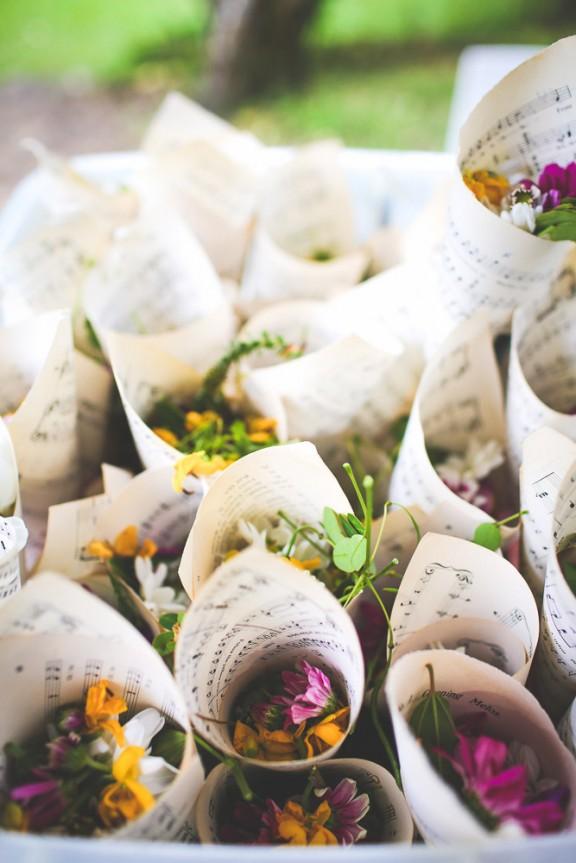 Flores para aventar a los novios
