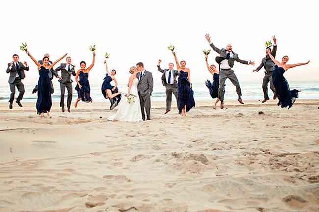 Una boda en la playa mantiene a los invitados divertidos todo el tiempo