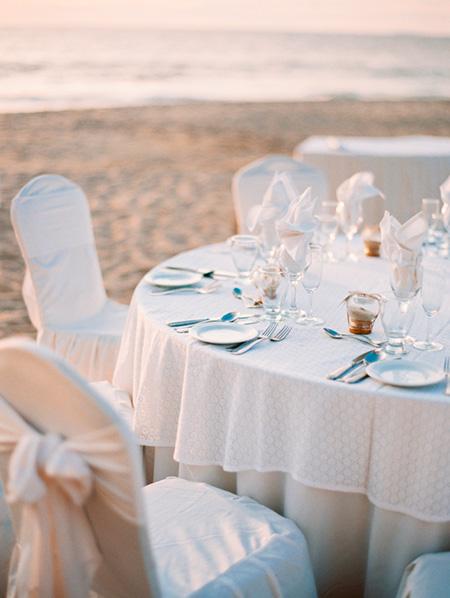 Mesas de boda en la playa