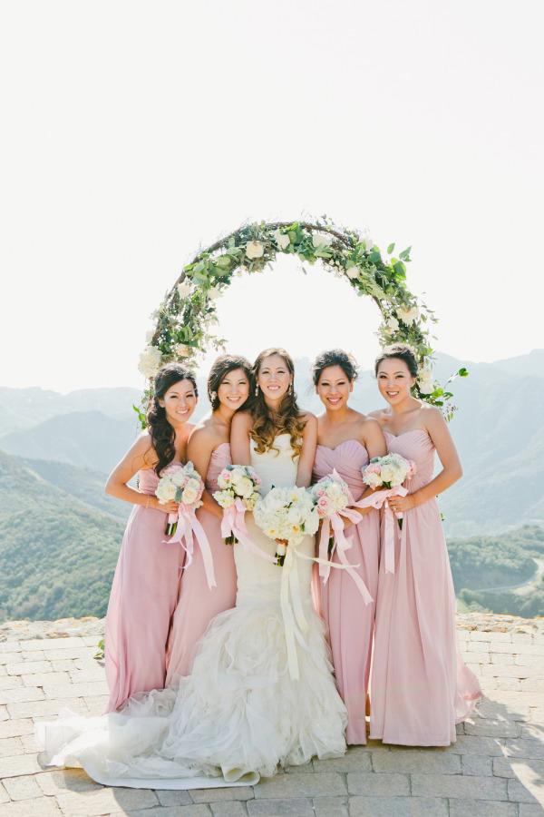 Novia con damas de honor | 35 fotos de la boda que no te pueden faltar