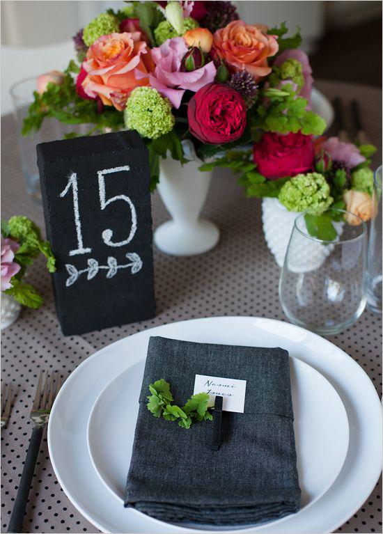 Numero para la mesa de la boda en pizarra y gis