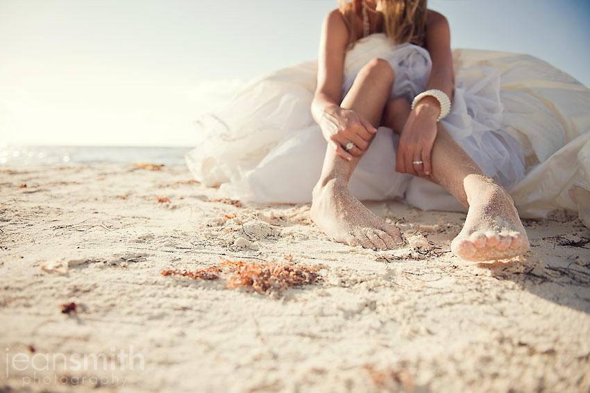 Sesión de fotos de la novia en la arena