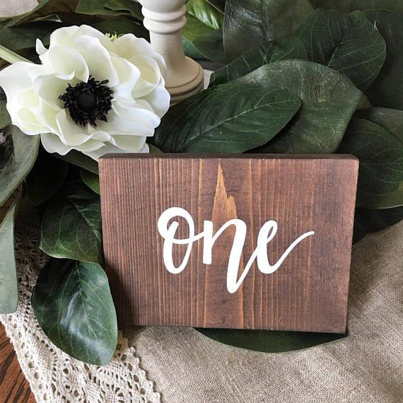Números mesa de madera en etsy