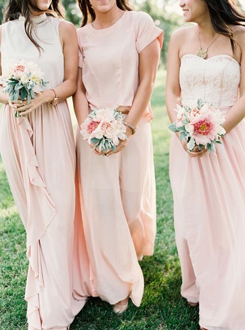 Damas de honor con vestidos diferentes