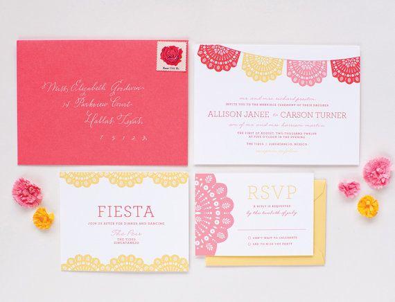 Invitación de boda estilo mexicano con detalles de papel picado