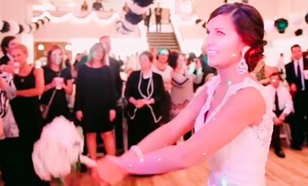 Propuesta de matrimonio sorpresa para la dama de honor