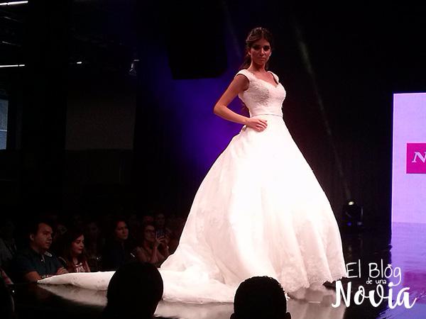Vestido de Novia con falda amplia - Novias de España