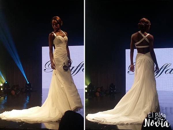 Vestido de Novia con espalda descubierta - Rafaella