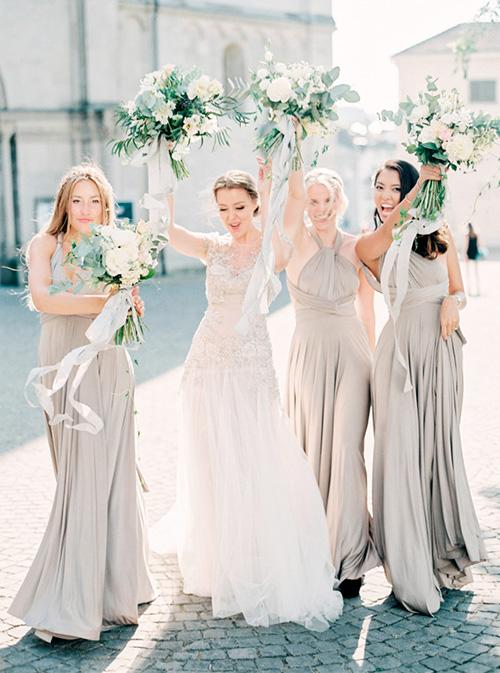 Vestidos de Dama Diferentes diseños en el mismo color