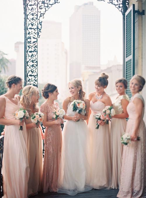 Vestidos de dama de honor en diferentes modelos y colores