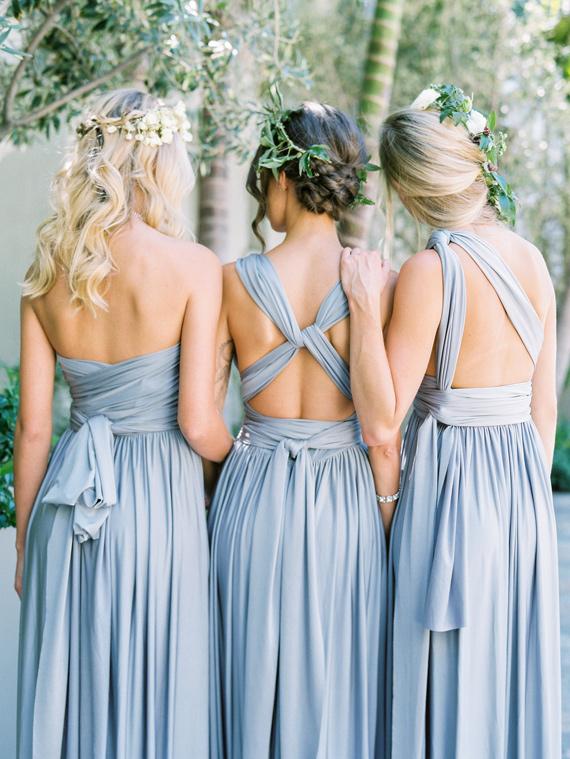 Vestidos de damas de honor diferente modelo y mismo color