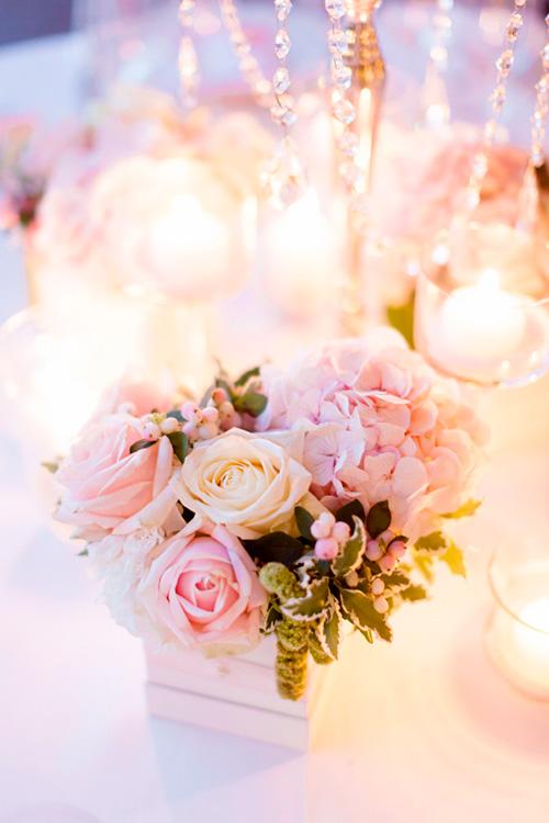 Centro de mesa con Rosas |  Ideas para decorar la boda con rosas