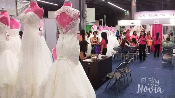 stand-de-vestidos-de-novia-en-la-expo-tu-boda
