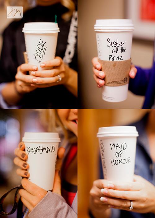 Foto con tu anillo de compromiso y cafés personalizados para la novia, la hermana de la novia y las damas de honor
