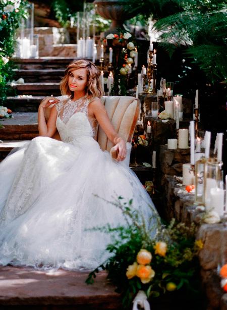 Rincón en la boda decorado con velas