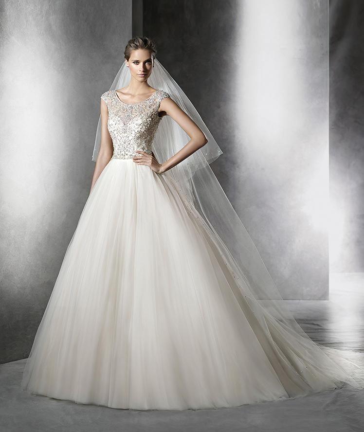 Vestido de Novia estilo princesa de Pronovias