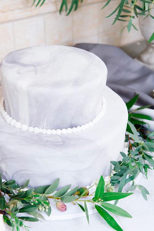 Pastel de boda estilo acuarela