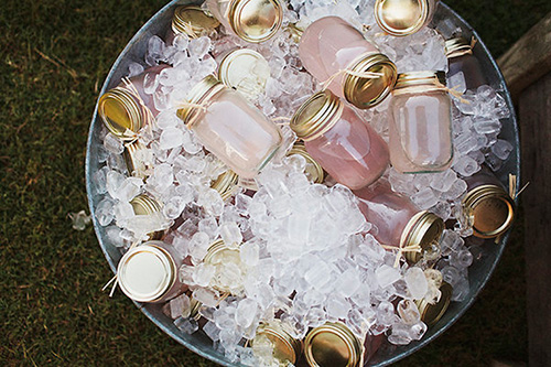 Bebidas en frascos de cristal