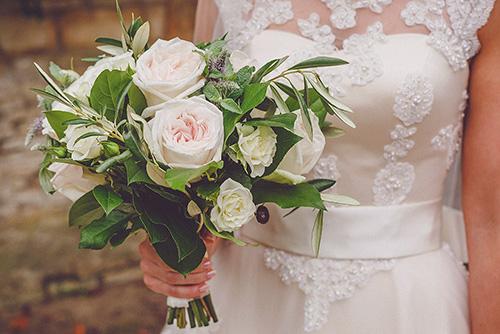 Ramo de novia natural de rosas naturales