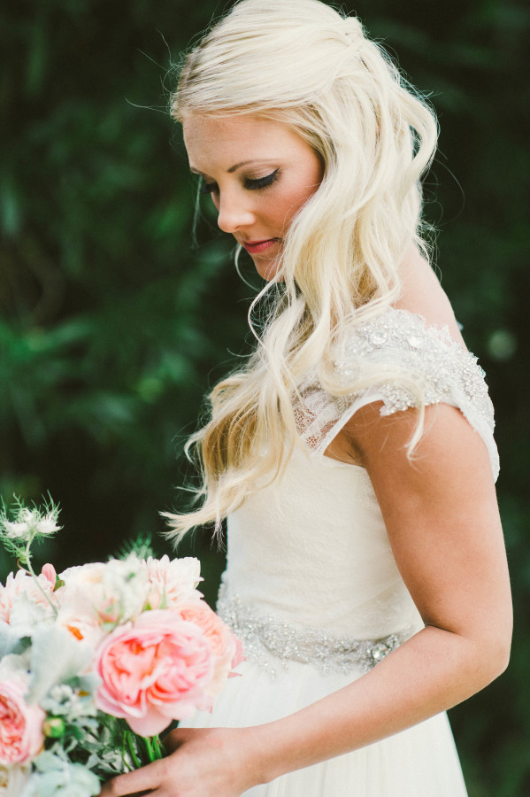 Peinado de novia suelto ondas suaves