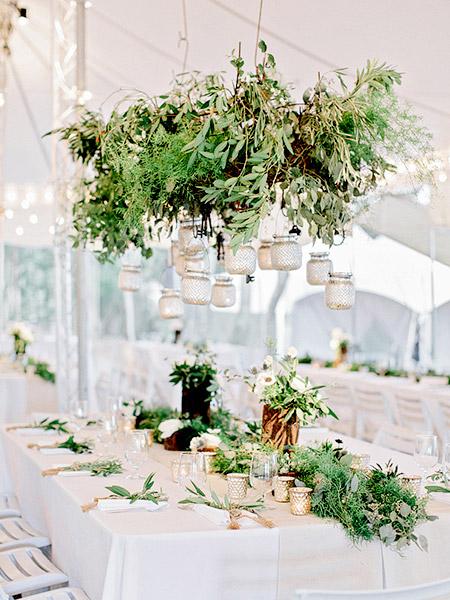 Mesas de boda con decoración colgante