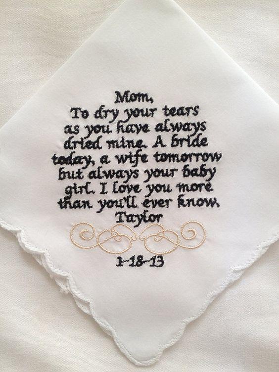 Pañuelo bordado para mamá