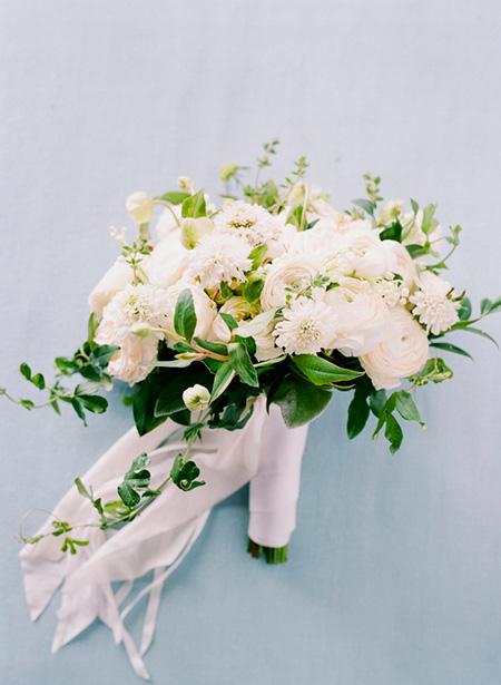 Ramo de Novia de flores naturales para ofrecer a la Virgen