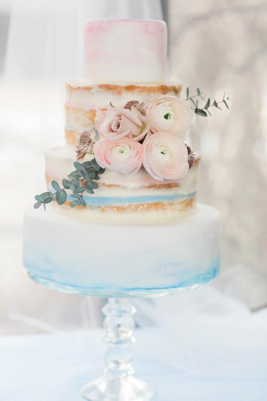 Pastel de Boda colores rosa cuarzo azul serenidad