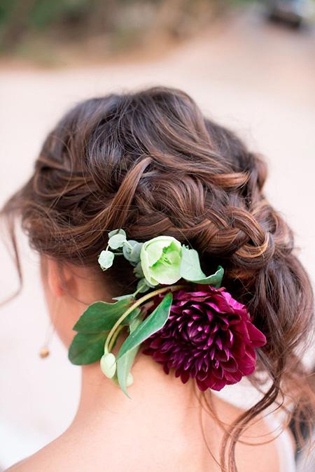 Peinado de Novia con Trenza y flores