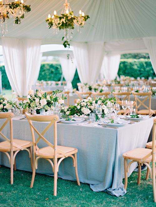 Mesas de boda en color azul