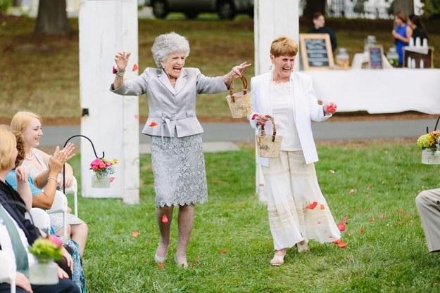 Las abuelas como chicas de las flores