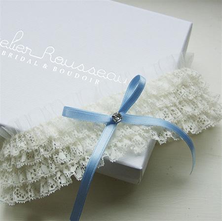 Liguero - Algo Azul | La lista de los accesorios de la novia