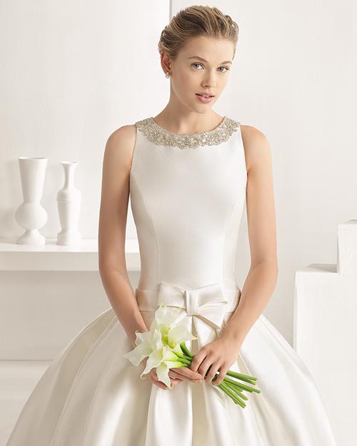 Vestido de Novia con Escote Redondo