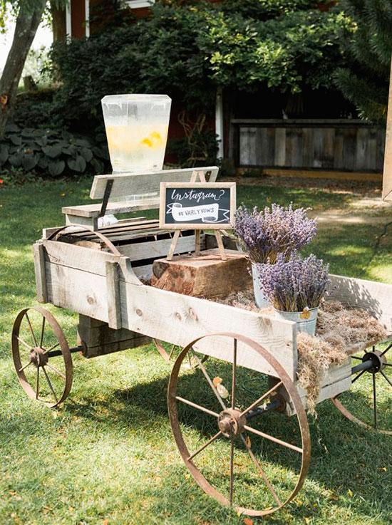 Idea para el cocktail de bienvenida en una boda rústica