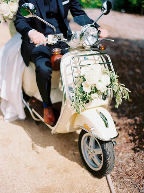 Moto: Ideas de transporte para los novios en la boda