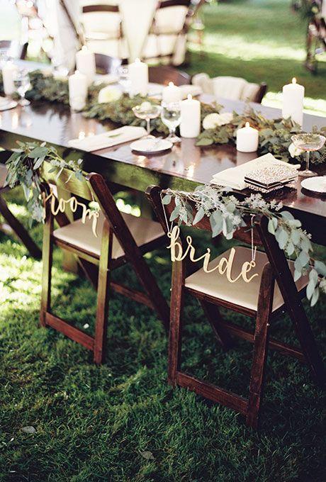 Letreros para las sillas de los novios