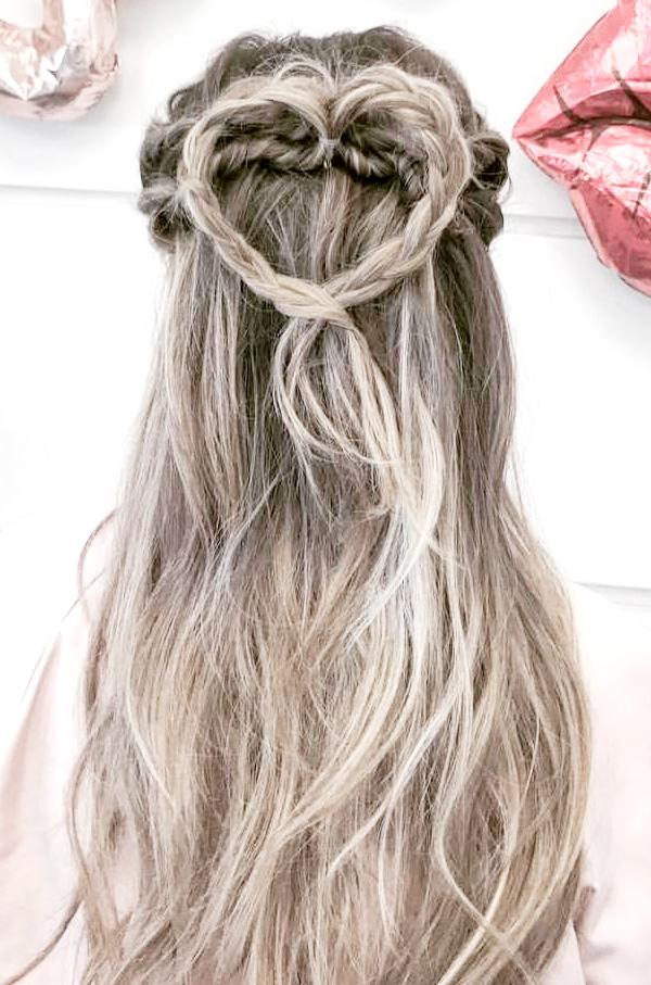 Peinado con trenzas y cabello suelto